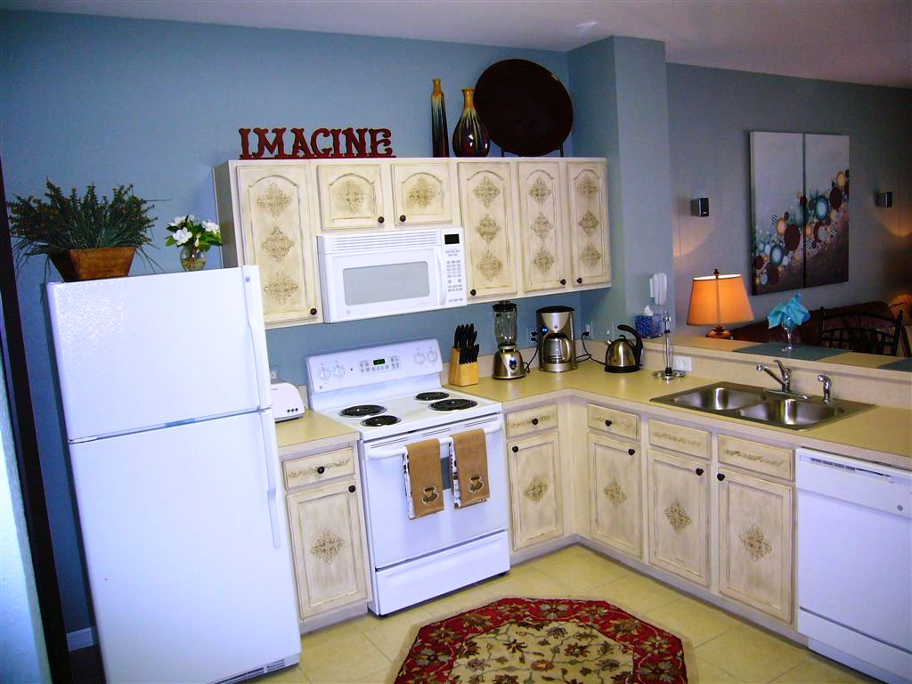 This Fantasmic Kitchen Has Everything You Need To Prepare Family Meals At Home Including Dishes Silverware Pots Pans And Appliances